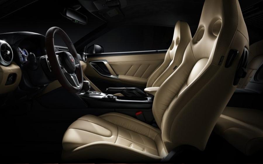 Nissan GT-R - detalhe bancos (foto: divulgação)
