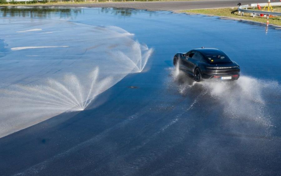 Carro preparado para Drift e Powerslide