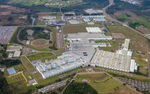 Porque as montadoras de carro estão saindo do Brasil?