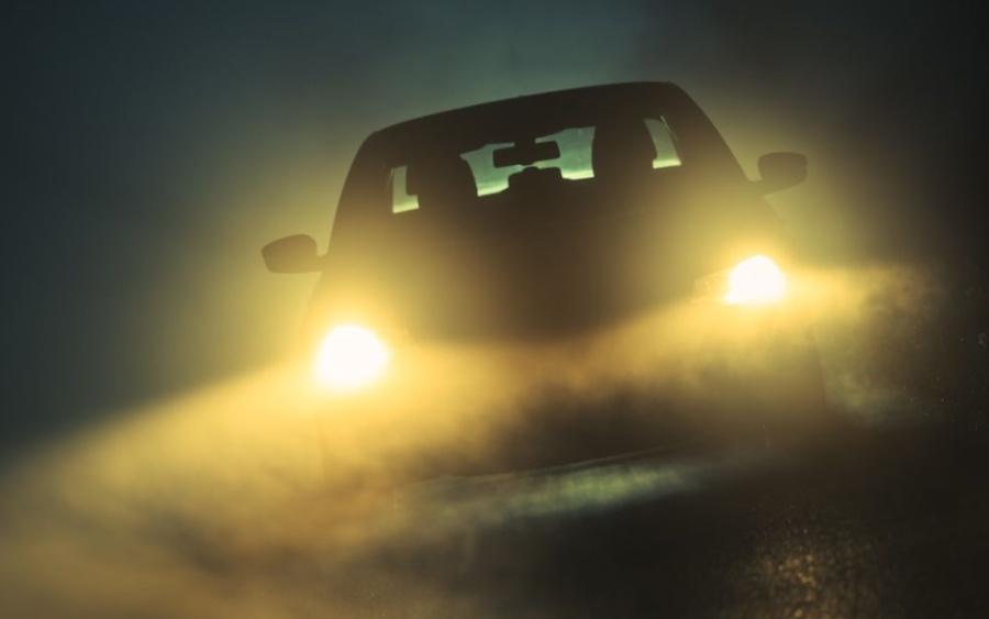 Posso instalar faróis de LED no meu carro?