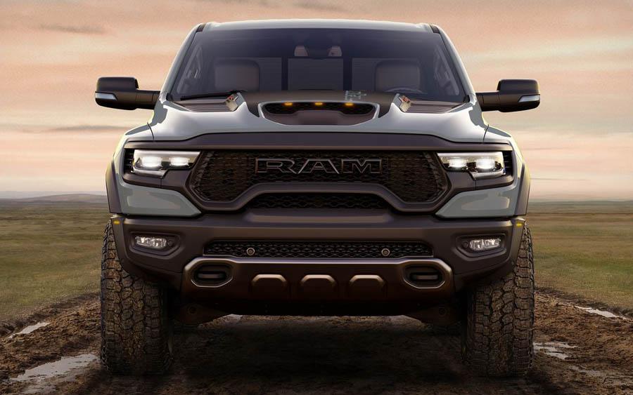 Ram 1500 TRX 2021 é uma picape projetada para lidar com as condições mais severas
