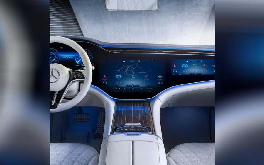 Mercedes EQS tem um painel gigante (foto: divulgação)