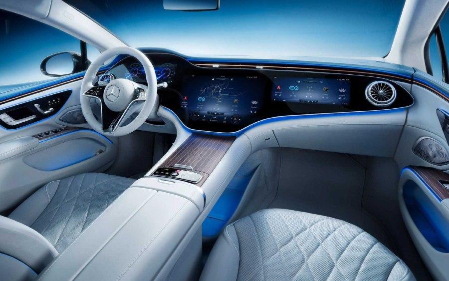 Mercedes EQS terá painel inteiro de vidro e muita tecnologia