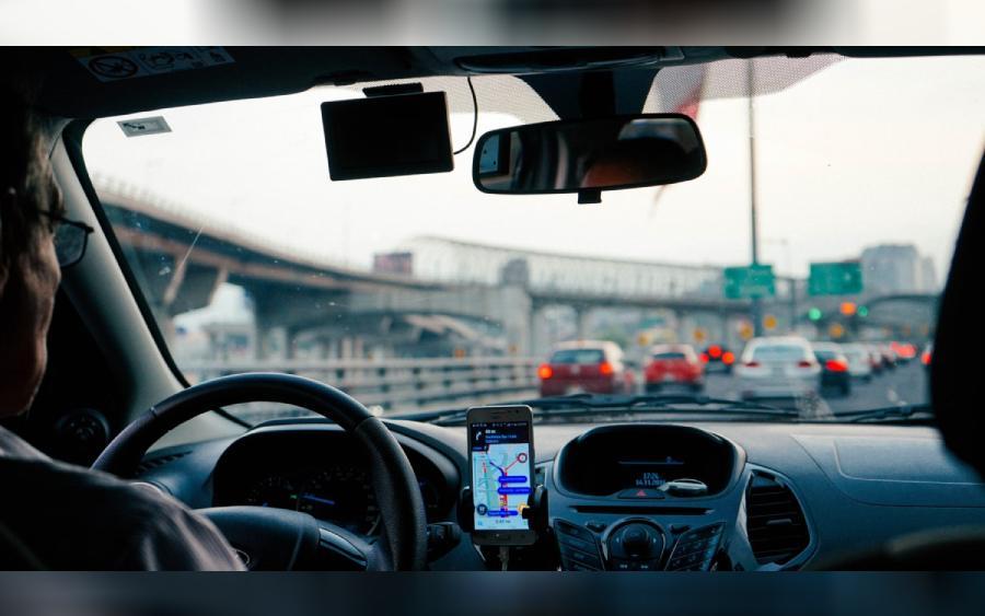 Uber é condenada a indenizar mulher cega em U$ 1,1 milhão