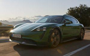 Porsche Taycan Cross Turismo é lançado com preço partindo de R$ 649.000