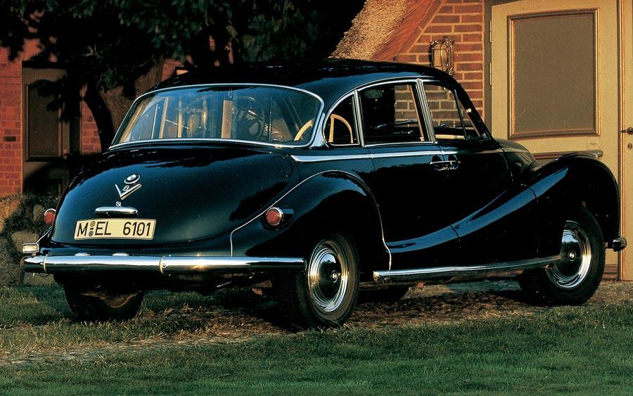 70 anos do BMW 501 com muito luxo