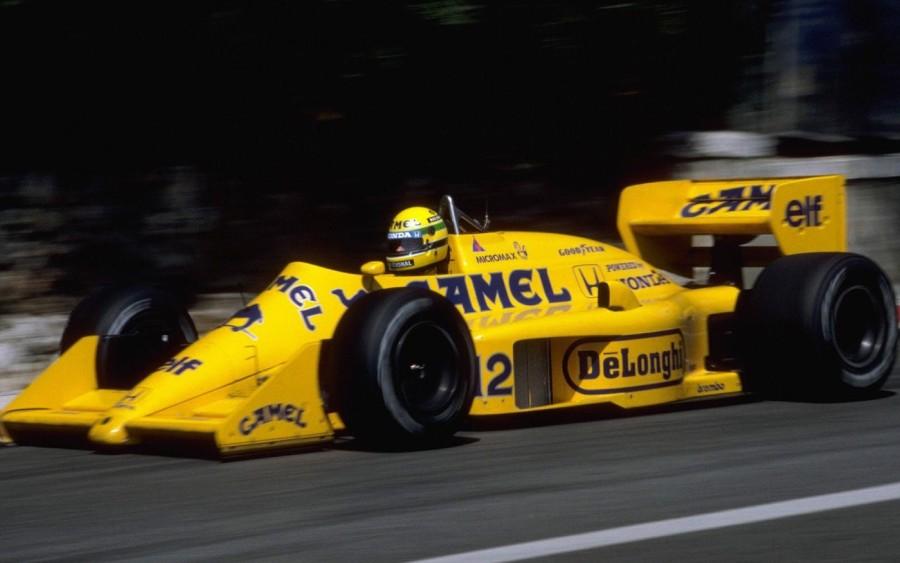 Ayrton Senna na Lotus sob patrocínio da Camel