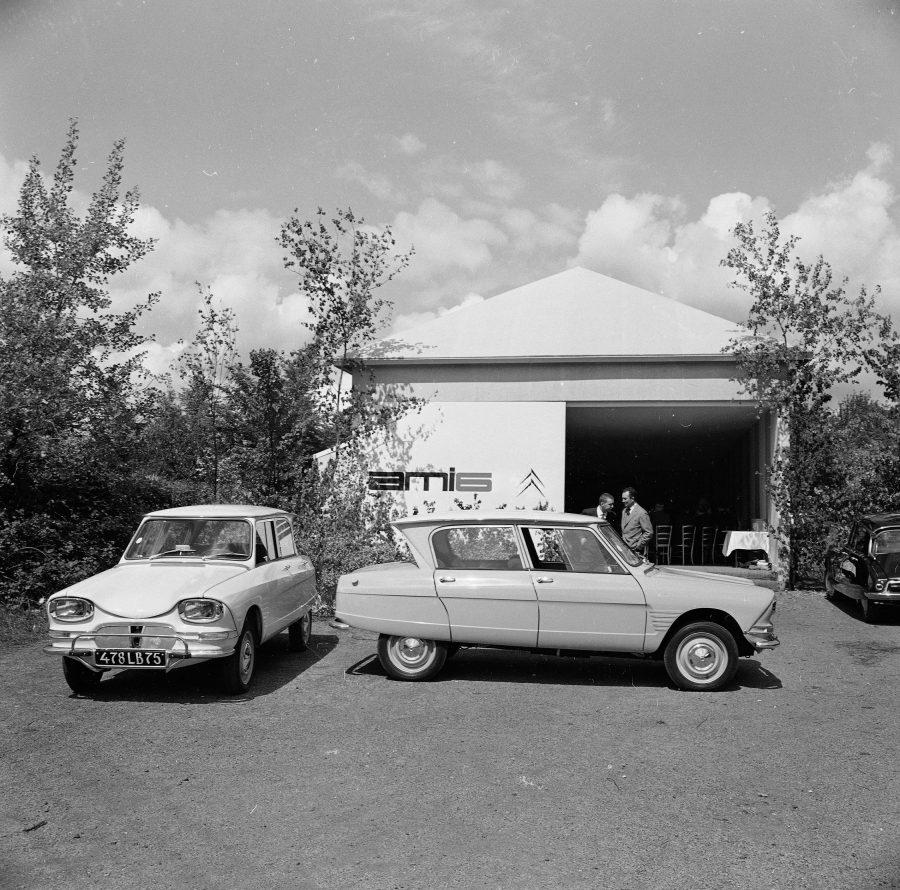En 1961, a construtora Citroën possuía dois modelos que se posicionavam nos dois extremos, o 2CV e o DS. Havia por isso a necessidade de preencher uma lacuna na oferta da marca, é então que surge o Ami 6.
