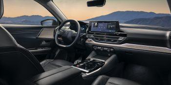 Citroën revela novo C5 X, novo carro-chefe da marca
