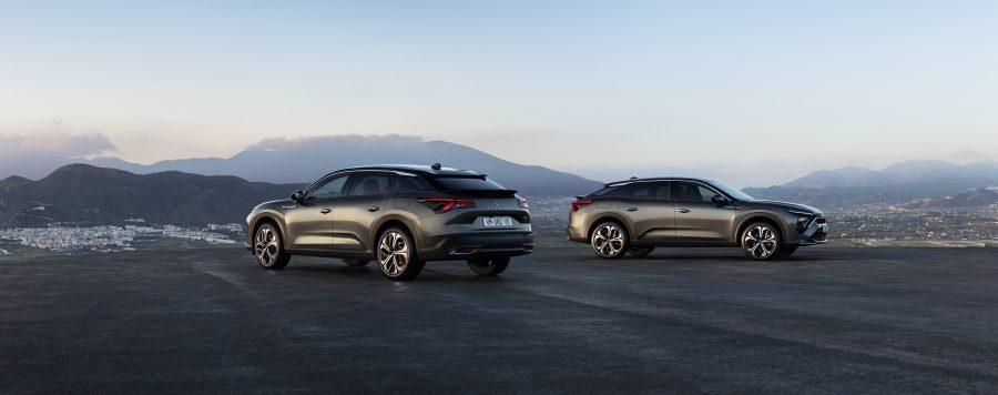 Por seu estilo, o C5 X é a materialização da filosofia Citroën. Original, o C5 X é a síntese entre a elegância de um sedã, o dinamismo de uma station wagon e a posição elevada de um SUV