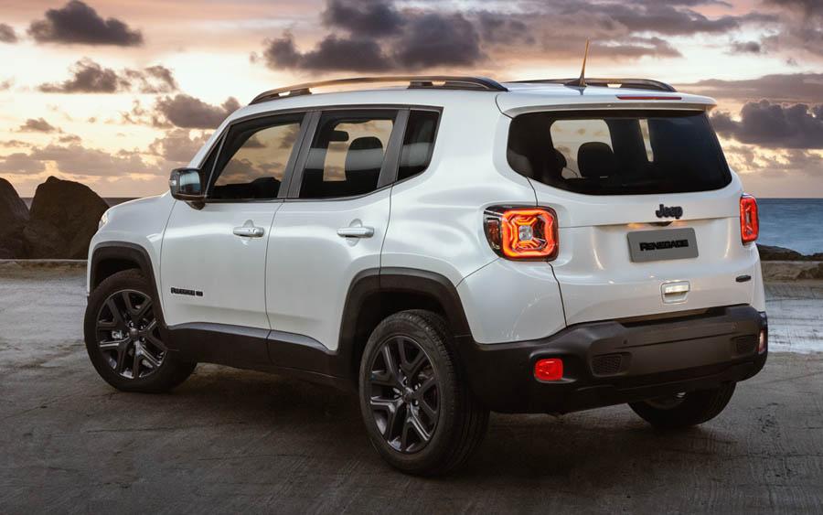 Seguindo os bons resultados alcançados neste ano, o Jeep Renegade se consolida como líder absoluto da categoria e ultrapassa a marca de 30 mil unidades comercializadas no acumulado do ano. Até agora, o modelo já representa cerca de 17% das vendas nesse segmento e mantém a sua liderança.