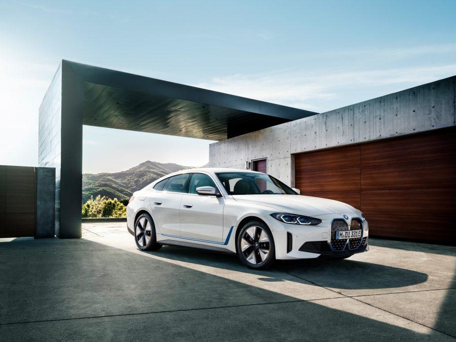 Novo BMW i4 chega para integrar a gama de veículos elétricos da marca