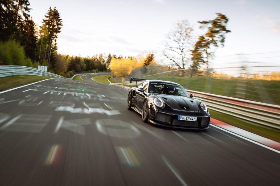 Porsche estabelece novo recorde de volta em 6:43.300 minutos