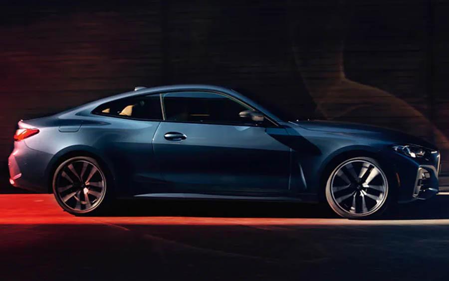 Produzido na fábrica do BMW Group em Dingolfing, na Alemanha, o lançamento traz o que há de melhor em termos de esportividade com motor de seis cilindros em linha TwinPower Turbo com 387cv de potência, entre 5.800rpm e 6.500rpm, 500Nm de torque, entre 1.800rpm e 5.000rpm, e aceleração de 0 a 100km em apenas 4,8 segundos, atingindo a velocidade máxima de 250km/h, limitada eletronicamente.