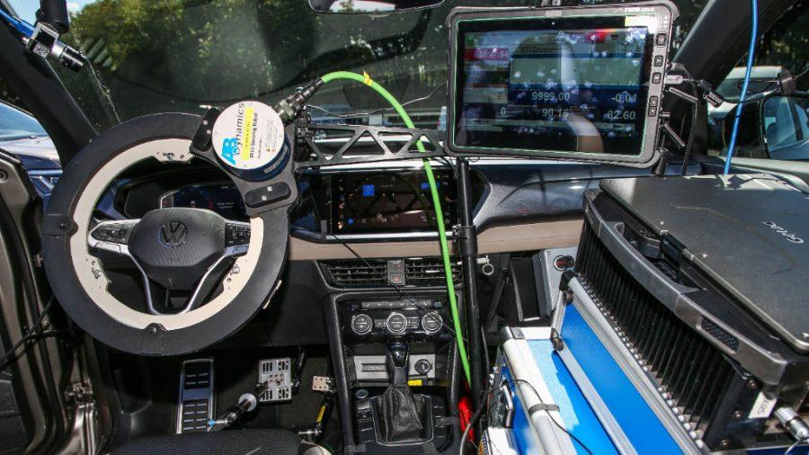 Volkswagen usa robôs de última geração no desenvolvimento do Taos
