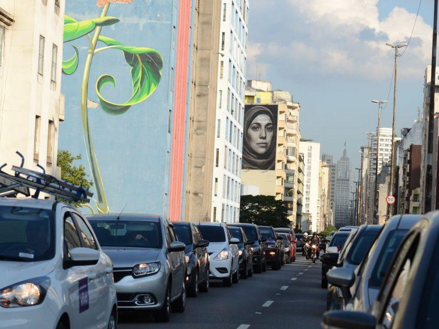 Trânsito no elevado Presidente João Goulart, conhecido como Minhocão, região central de São Paulo - Foto: Rovena Rosa/Agência Brasil