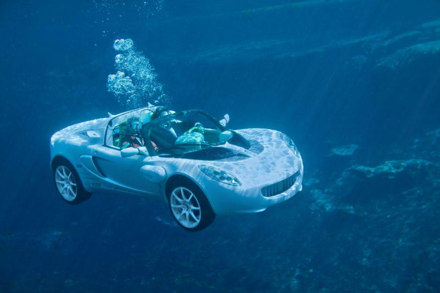 Carro suíço foi projetado para andar debaixo d'água