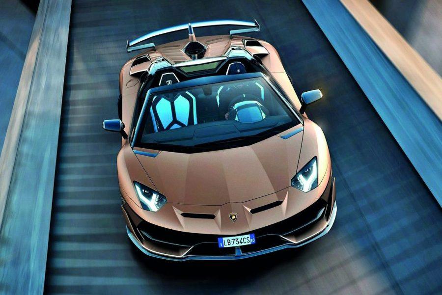 O SVJ Roadster tem um motor V12 de 760 cv de potência