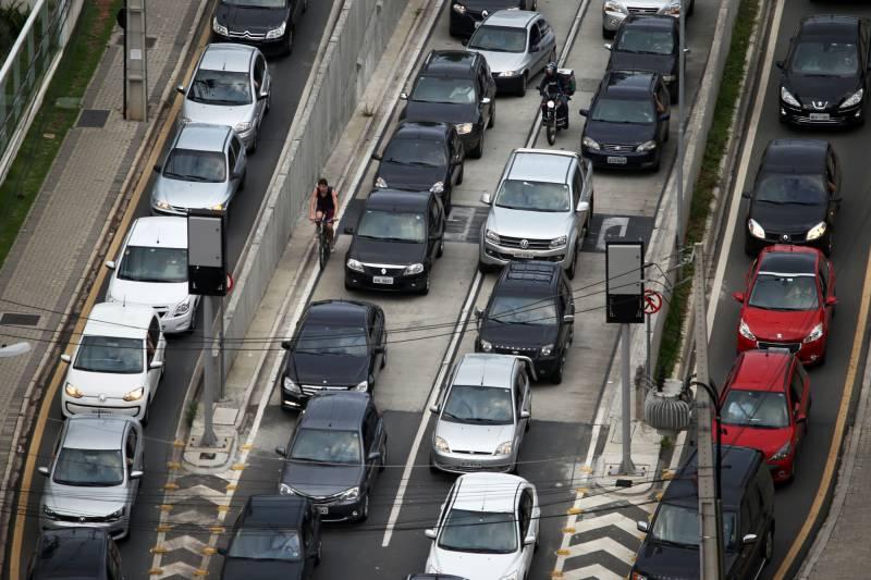 Como já é de conhecimento geral, as infrações de trânsito no Brasil são punidas com multas e pontuação na CNH (Carteira Nacional de Habilitação) de acordo com a gravidade (Aen/Divulgação)