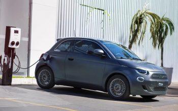 Clássico da Fiat vira carro elétrico: 500e