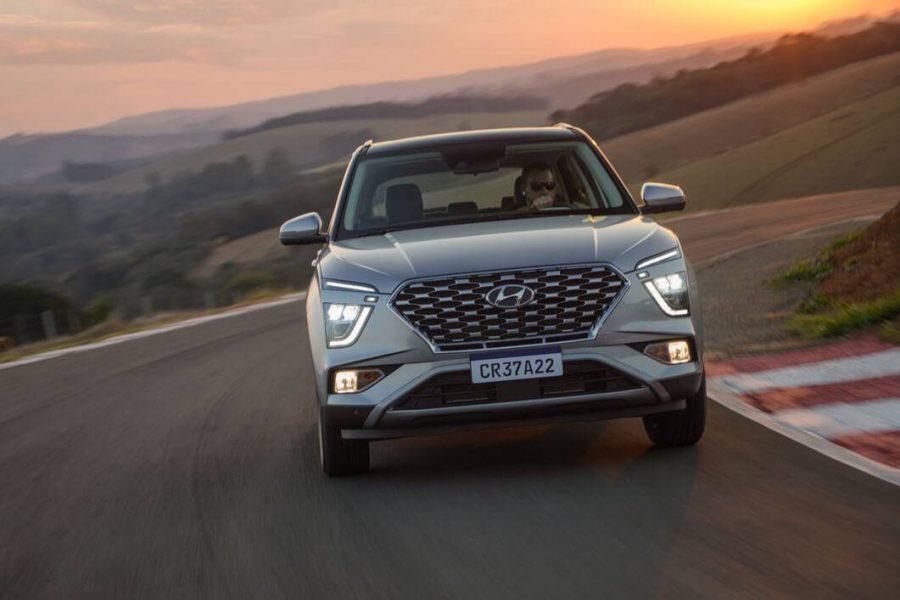 O Creta 2022 é inspirado na atual linguagem de design da Hyundai, a Esportividade Sensual, e impressiona por sua imponência e estilo inconfundível, totalmente renovado e ainda mais elegante e sofisticado.