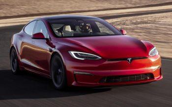 Novo Tesla é mais rápido que Porsche Taycan em Nürburgring